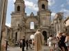 Béatrice et Michel avant la cérémonie religieuse  à Saint-Jean-d\'Angély